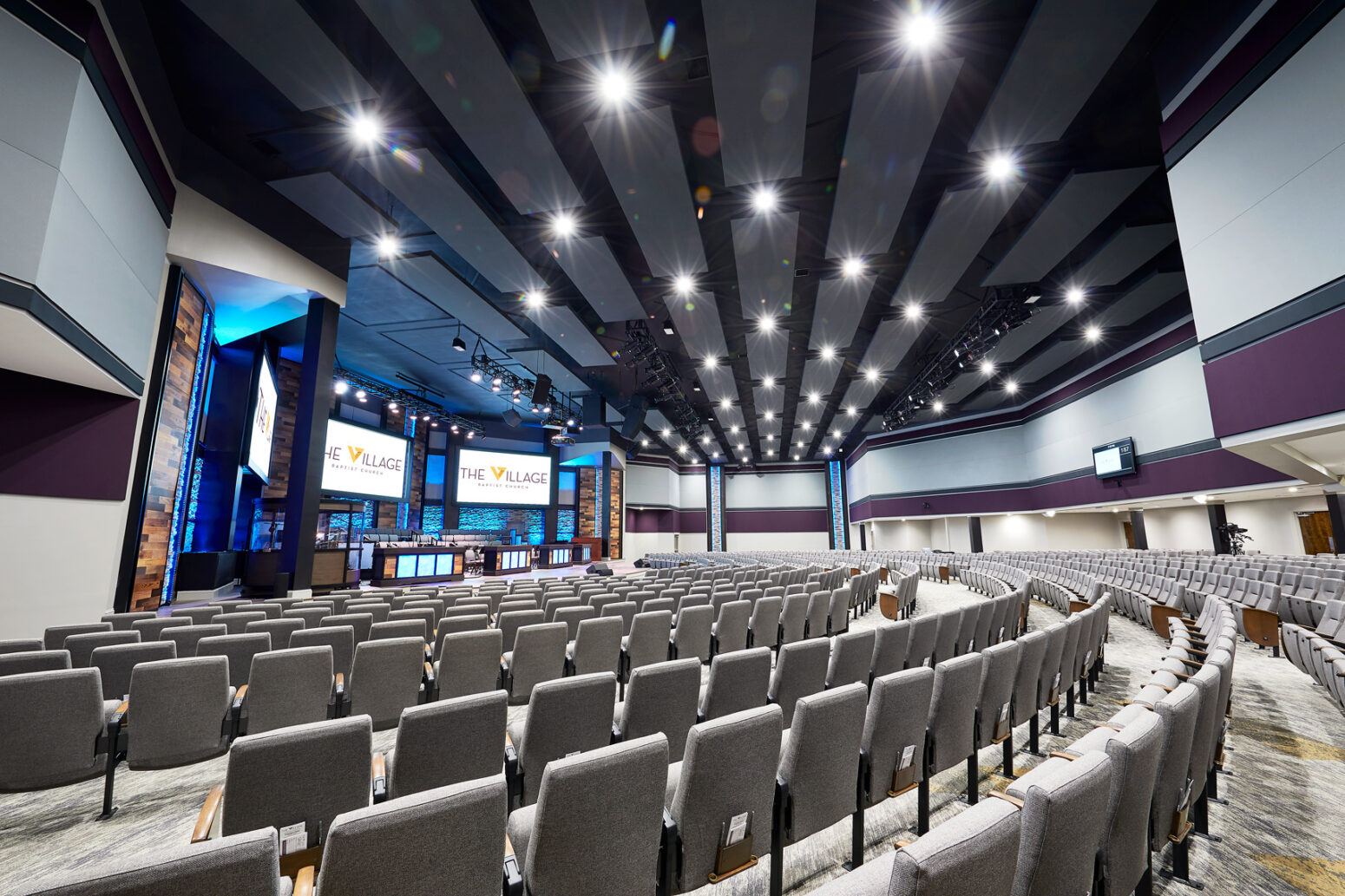 Church audio visual companies like Paragon 360 work wonders, as seen in this auditorium photo.